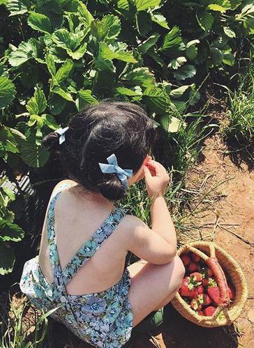 Messy Pigtail Buns - Easy Hairstyles For Kids