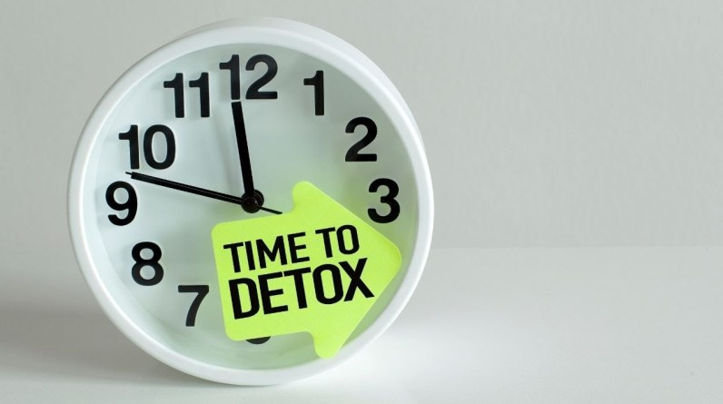 How and When to Detox Your Body in a Safe, Healthy Way #shorts ®  3 Signs You Need a Detox