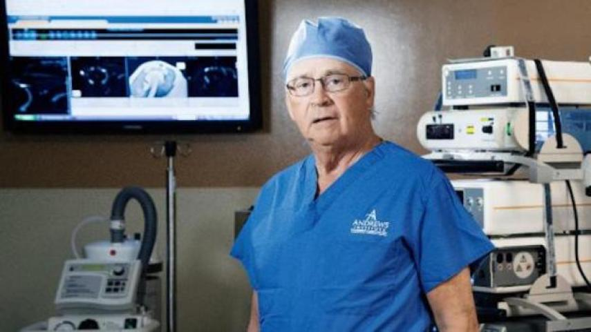 Orthopedic surgeon Dr. James Andrews image