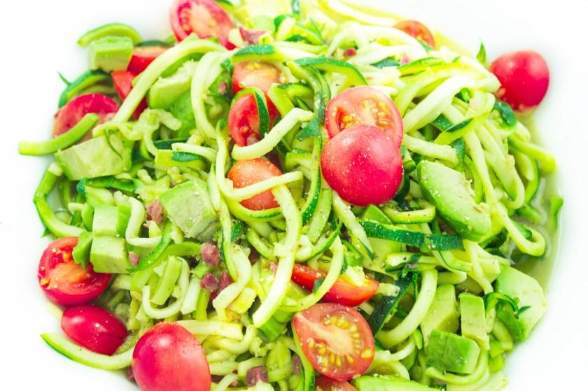 close up zucchini nudeln