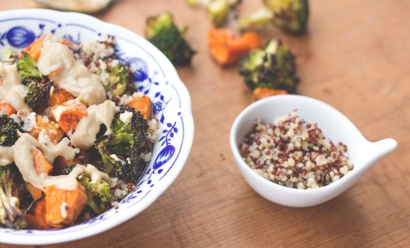 Süßkartoffel- Brokkoli Pfanne rezept mit Miso Dressing_healthy soulfood_paleo rezept