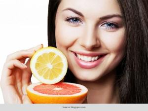 Top 7 ways to use Lemon on your face for Glowing Skin