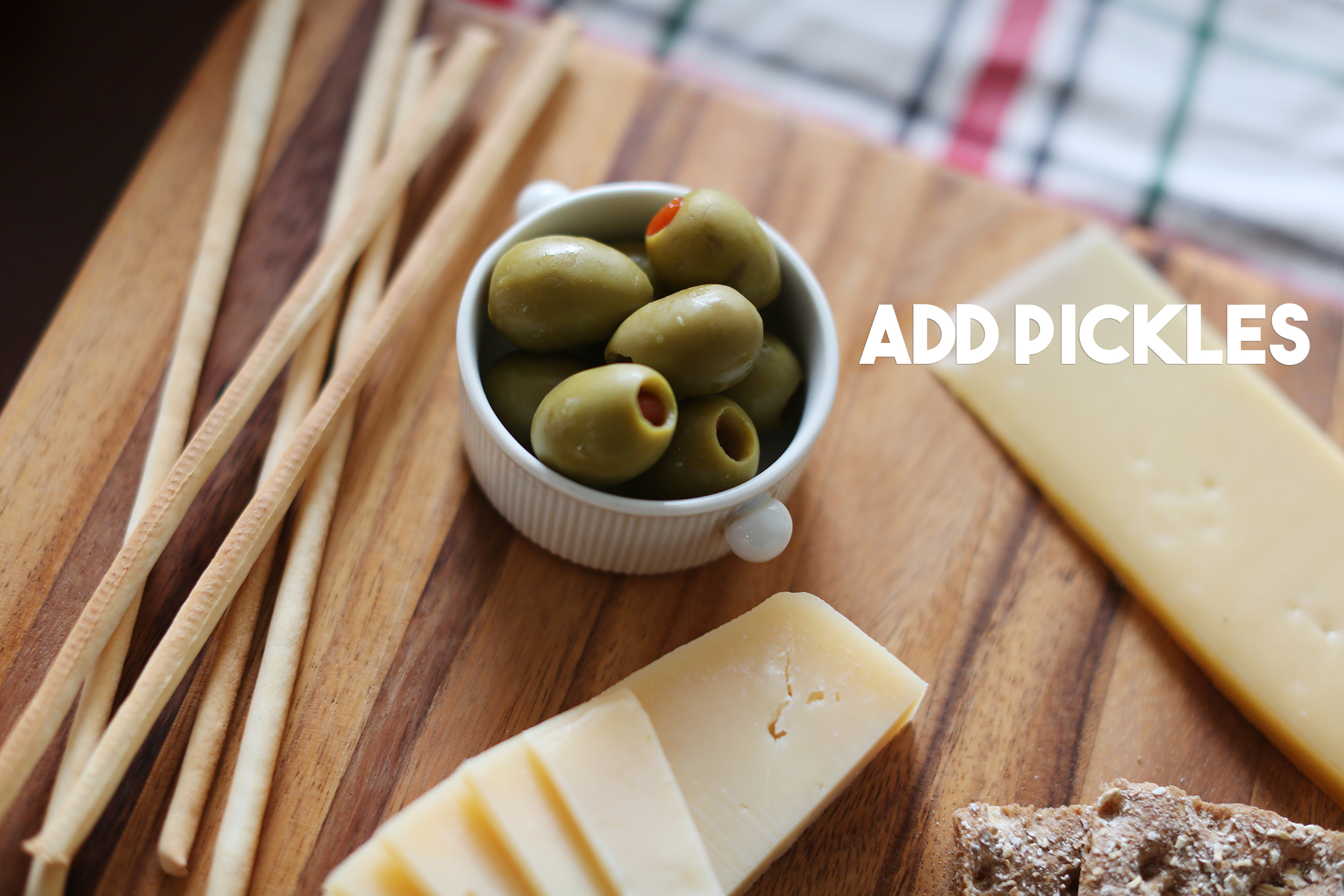 how to make the best cheese plate for your holiday gatherings- healthyaiblog.com