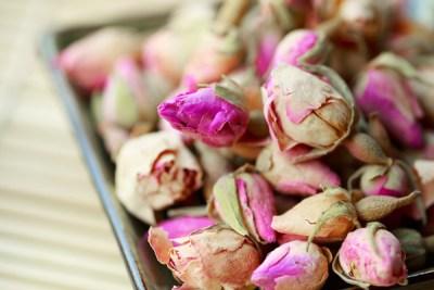 bath tea rosebud