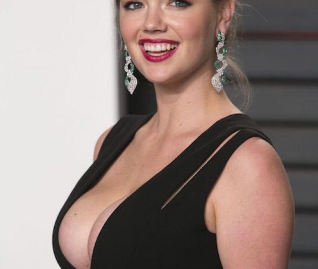 Kate Upton At Vanity Fair Oscar  Party In Beverly Hills California