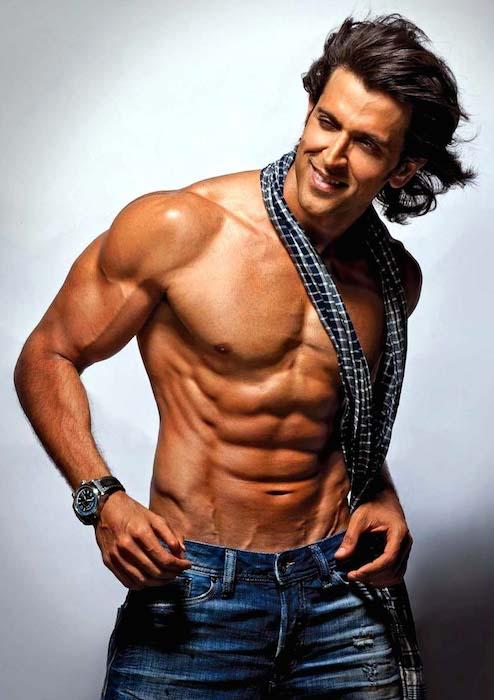 https://i1.wp.com/healthyceleb.com/wp-content/uploads/2014/11/Hrithik-Roshan-shirtless-body.jpg?resize=494%2C700,Bodybuilder