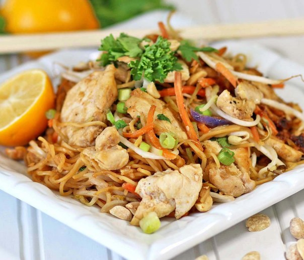 asian noodles and chicken