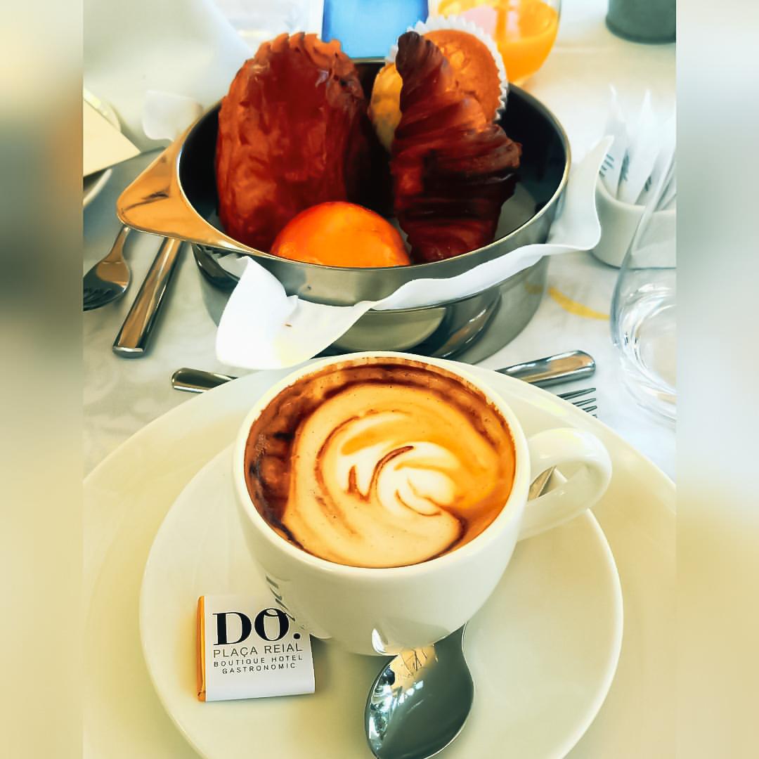 hotel do place breakfast