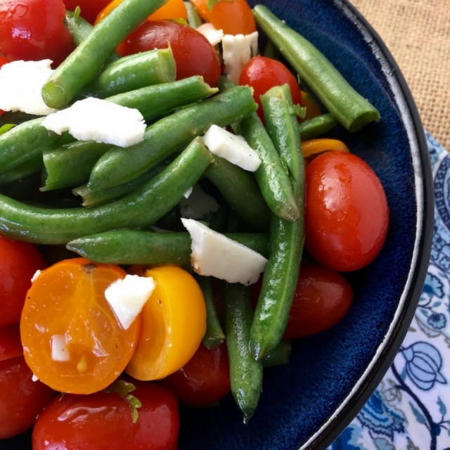Easy Green Bean Salad with Tomatoes & Feta