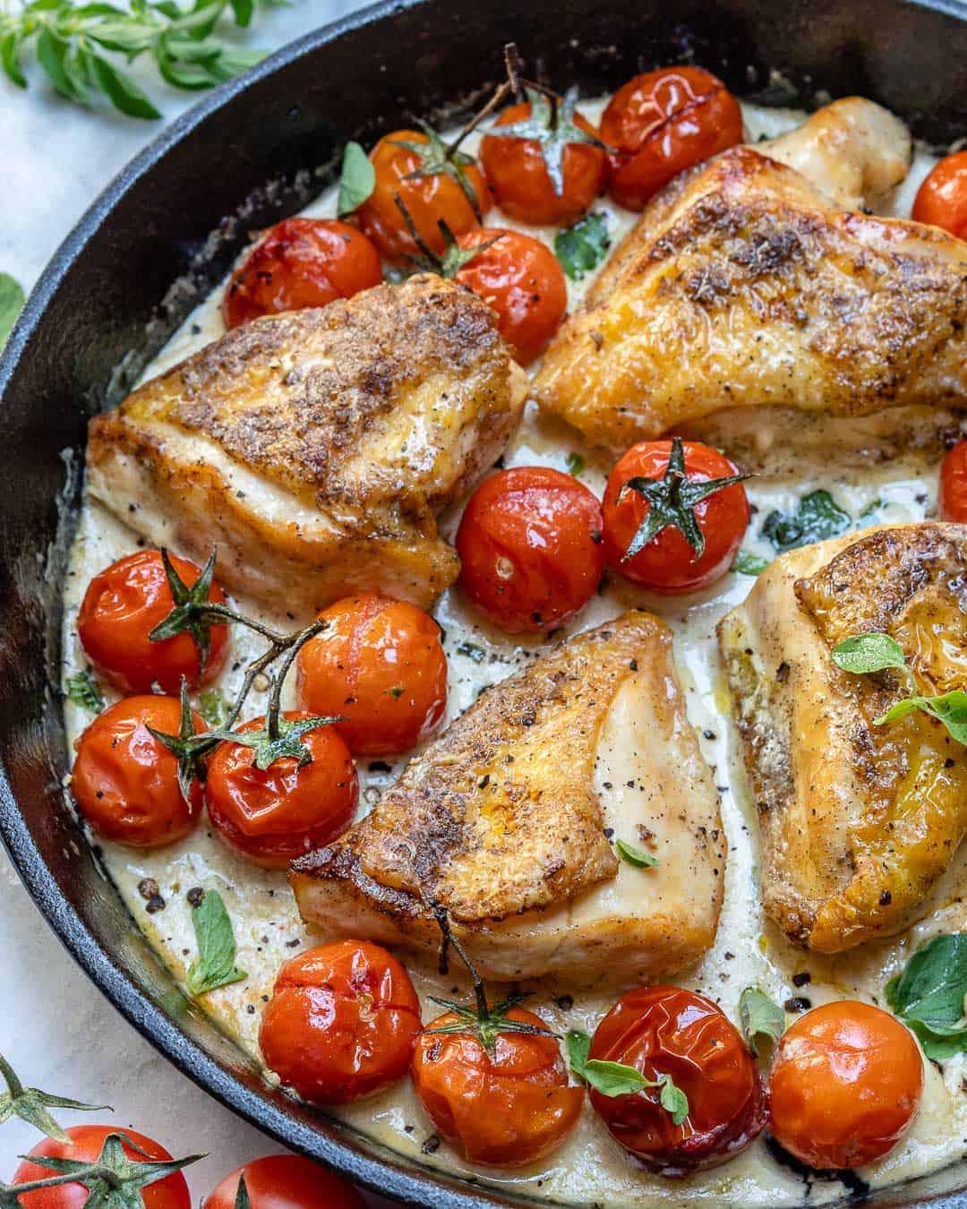 EASY Easy Creamy Garlic Chicken Skillet Recipe | Healthy ...