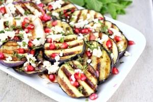 Gegrilde aubergine salade met feta en granaatappel 1