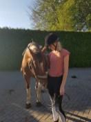 Lucy paardrijden.JPG