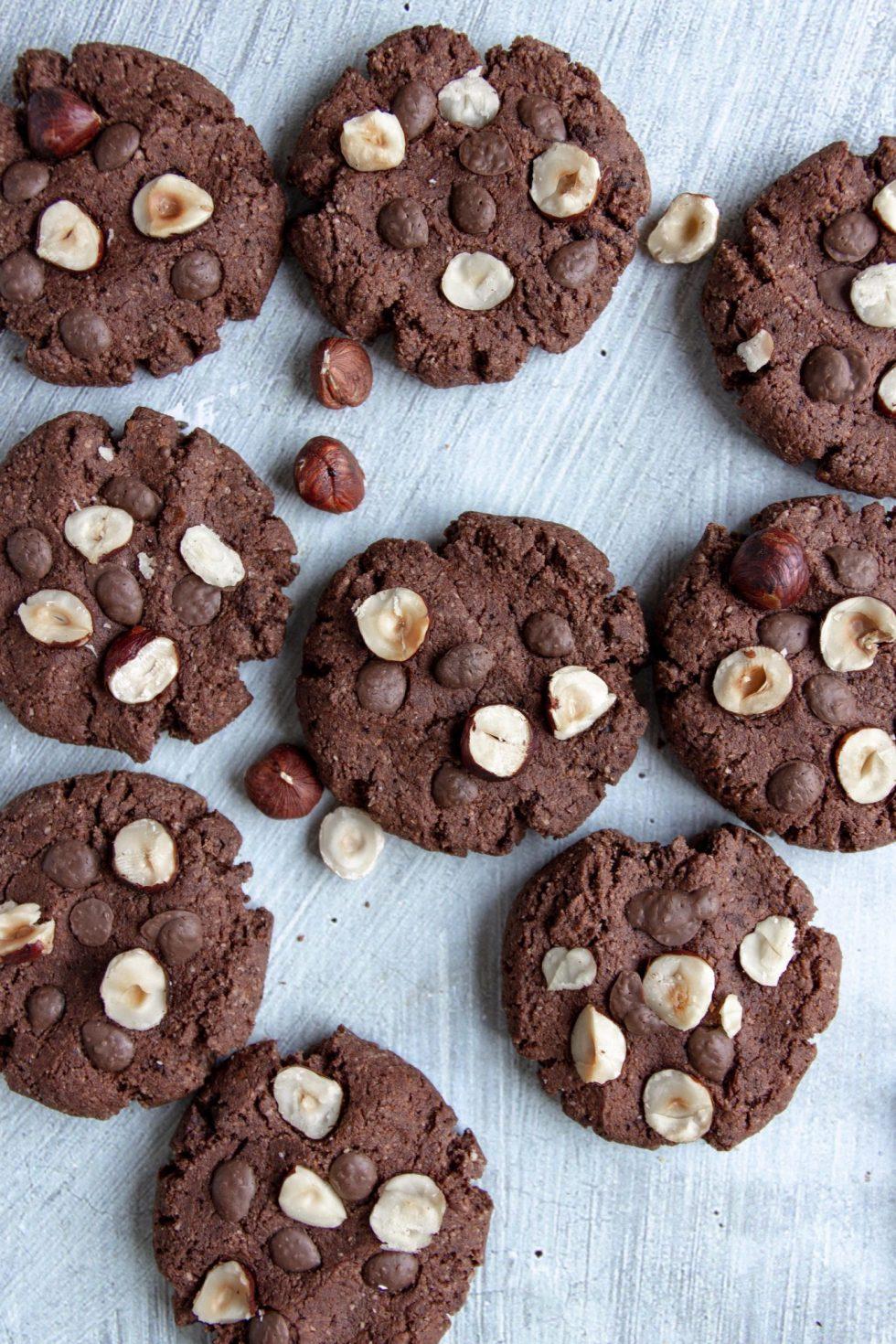 vegan hazelnut chocolate cookies
