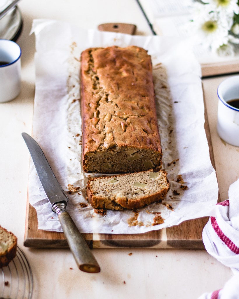 Delicious gluten-free Cinnamon Apple bread | Healthy Goodies by Lucia