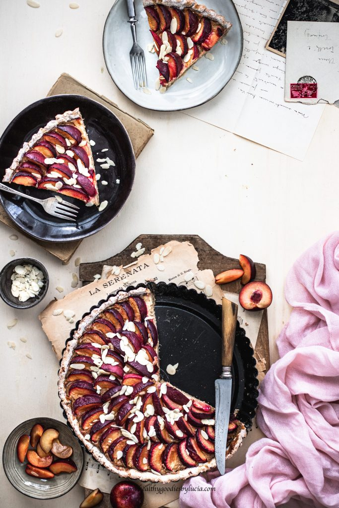 Gluten-free plum pie with vanilla cream | Healthy Goodies by Lucia