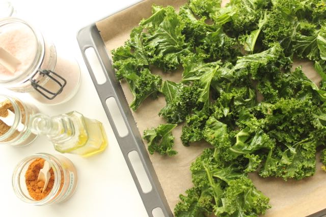 homemade kale chips - www.healthyhappysteffi.com