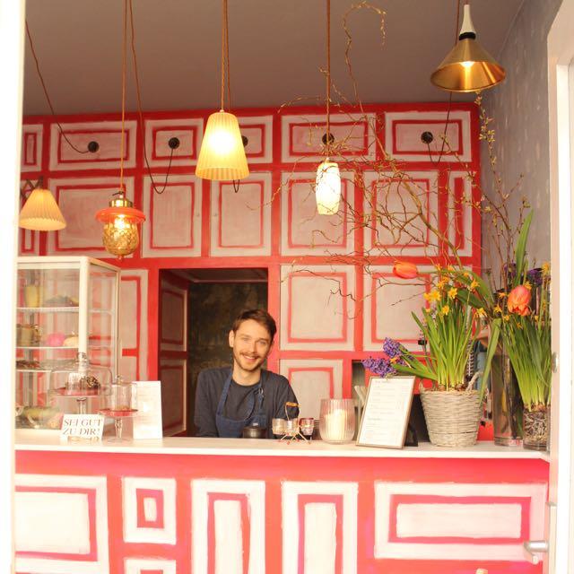 Wir Essen Blumen Smoothie Bar Frankfurt - www.healthyhappysteffi.com