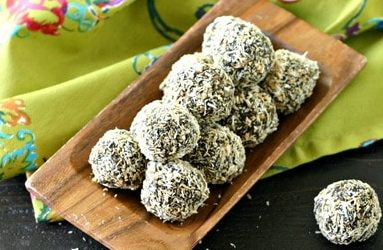 Moringa Powder Cashew and Lemon Bites