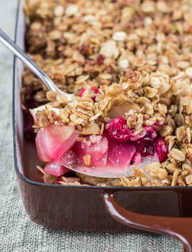 Pear and Cranberry Crisp | Healthy Helper @Healthy_Helper