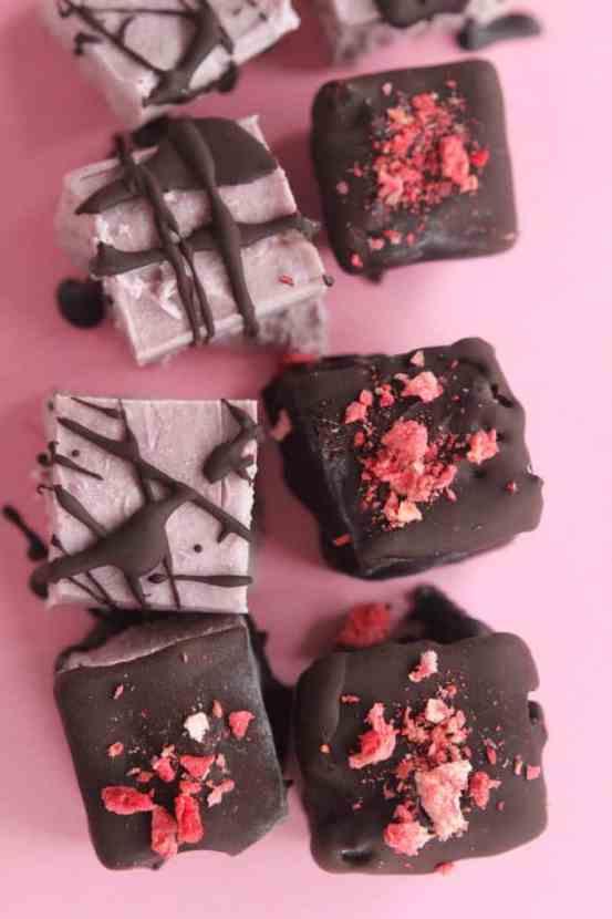 Chocolate Covered Strawberry Cheesecake Bites   Healthy Helper @Healthy_Helper