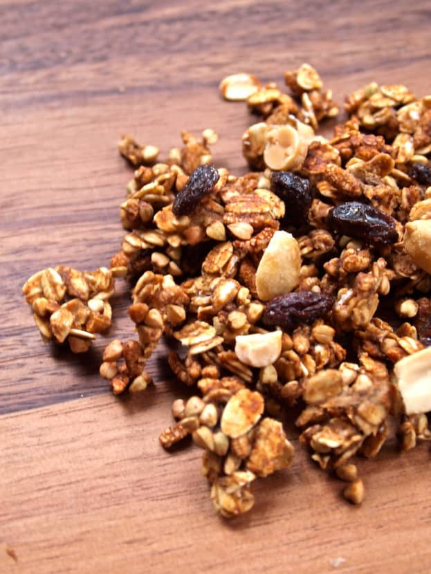Low-Fat Peanut Butter Banana Protein Granola | Healthy Helper @Healthy_Helper