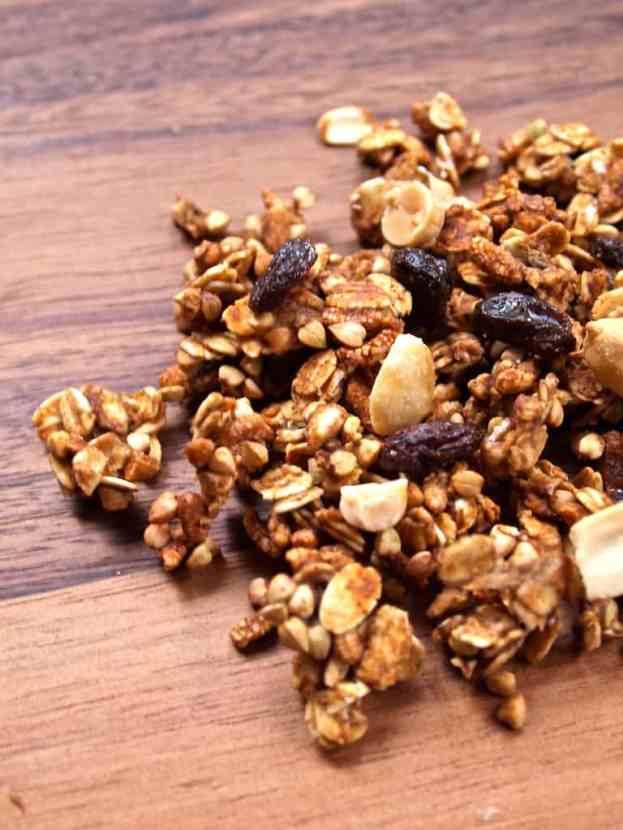 Low-Fat Peanut Butter Banana Protein Granola | Healthy Helper @Healthy_Helper