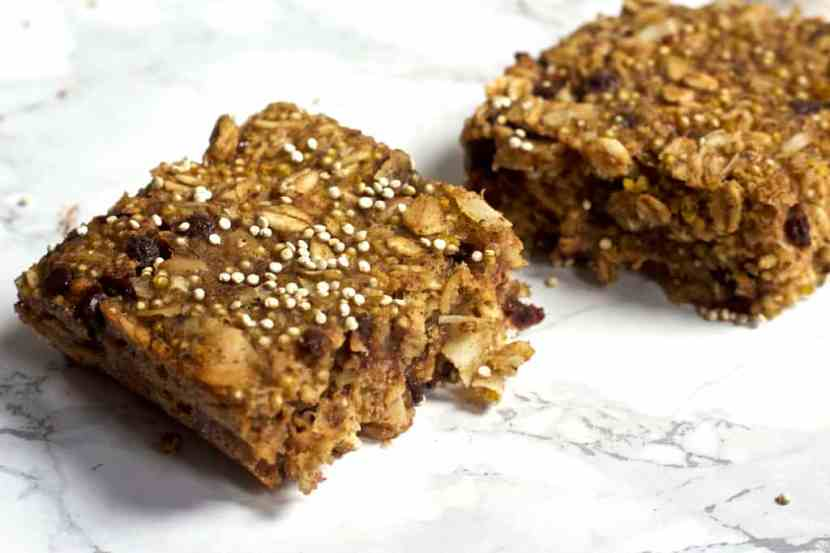 Coconut Chocolate Chip Quinoa Bars | Healthy Helper @Healthy_Helper