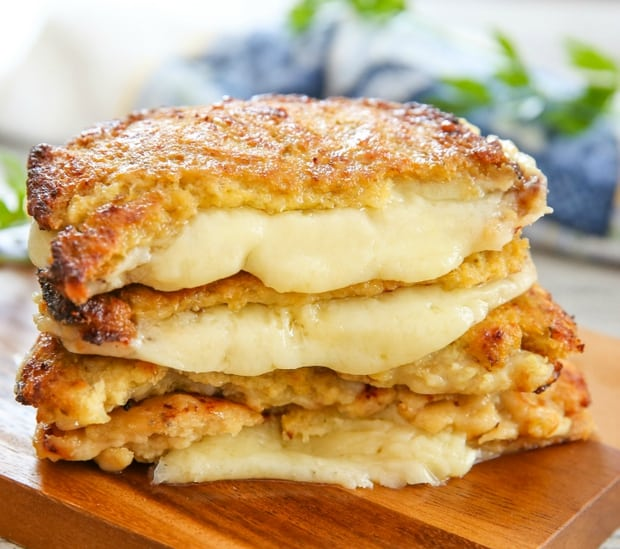 Cauliflower Crusted Grilled Cheese Sandwiches | Healthy Helper @Healthy_Helper
