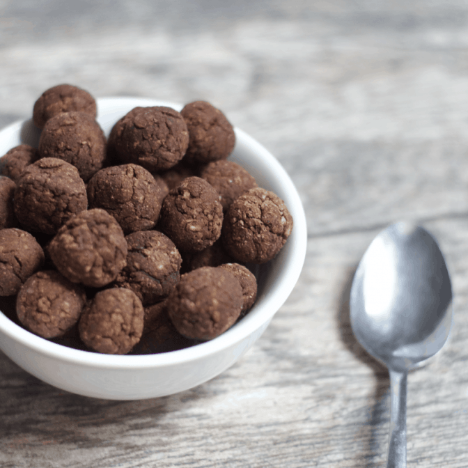 Healthy Copycat Reese's Puffs | Healthy Helper @Healthy_Helper Chocolate, peanut butter cereal heaven made healthy! A vegan, gluten-free, grain-free version of your childhood breakfast staple. Crunchy on the outside, soft on the inside, and absolutely AMAZING with ice-cold milk!