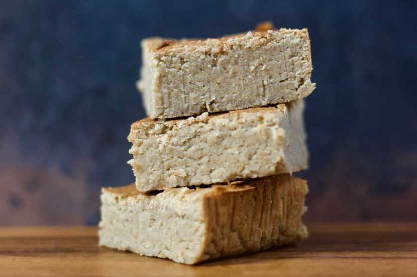 3 Ingredient Vanilla Chai Protein | Healthy Helper @Healthy_Helper Dense, delicious blondies bursting with sweet chai flavor! These Vanilla Chai Blondies are vegan, gluten-free, sugar-free, and high in plant-based protein. With only 3 ingredients, they are incredibly easy to make and even more yummy to eat!