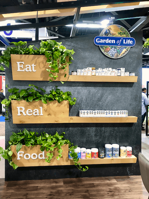 Expo West 2019: Trends and Highlights | A recap of my experience at Expo West 2019! All the new trends I noticed emerging in the natural products industry and my personal highlights from the event.