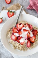 Strawberry + Cream Steel Cut Oats {Instant Pot}