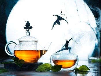 Curb Cravings With Green Tea: Helps The Body Burn Fat
