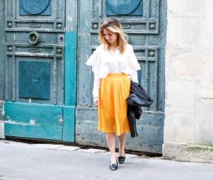 pièce-jaune-jaune-vêtement-jaune-robe-jaune-porter-du-jaune-la-couleur-jaune-mode--5