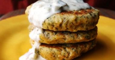 Salmon Cakes with Tartar Sauce