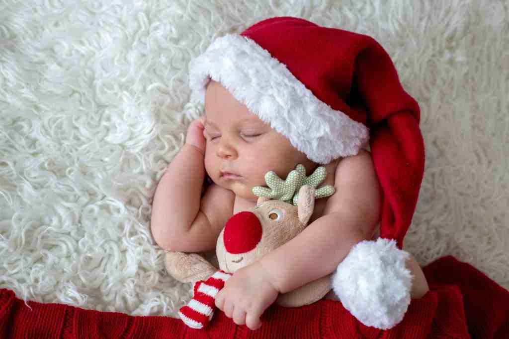 14 Tips for surviving the holidays with a newborn!