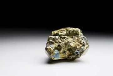 iron pyrite top crystals for healing