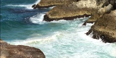 waves between rocks