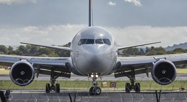 aircraft-manchester-jet-fly