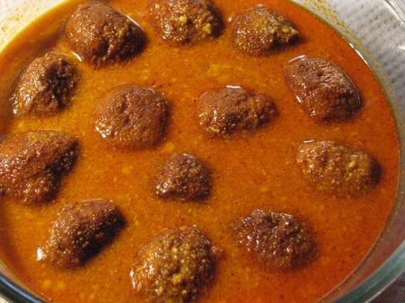 kofta curry with coconut gravy