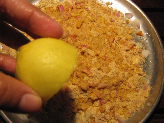 Add lemon juice/ amchur/ grated raw mango in stuffing