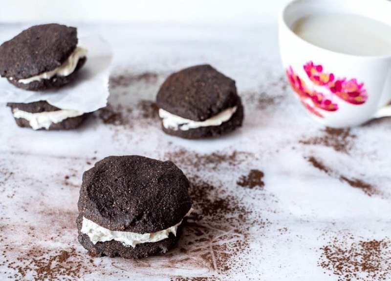 Chocolate Whoopie Pie Paleo Vegan