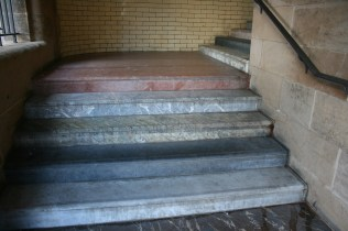 The Scotsman Steps L