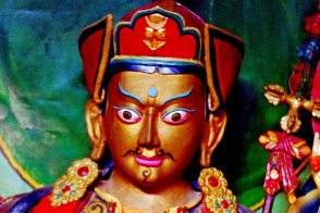 Mt Kailash: Idol face