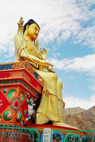 Mt Kailash: Statue