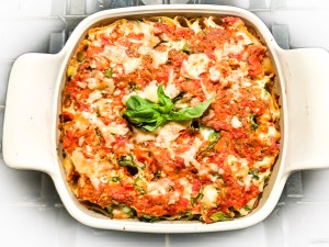 Baked Rigatoni With Roasted Garlic, Tomatoes & Spinach
