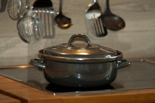 There are precautions to take when it comes to our cookware.  Here are some tips for finding the Healthiest Cookware for Your Family.