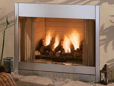 Al Fresco outdoor gas fireplace with metal face