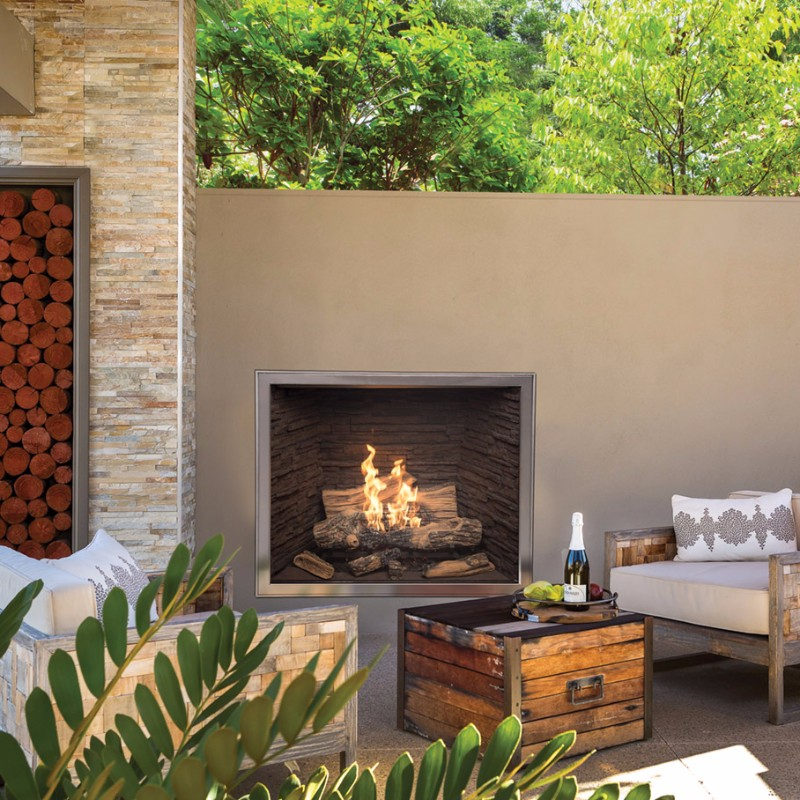 TC42 outdoor gas fireplace town & country