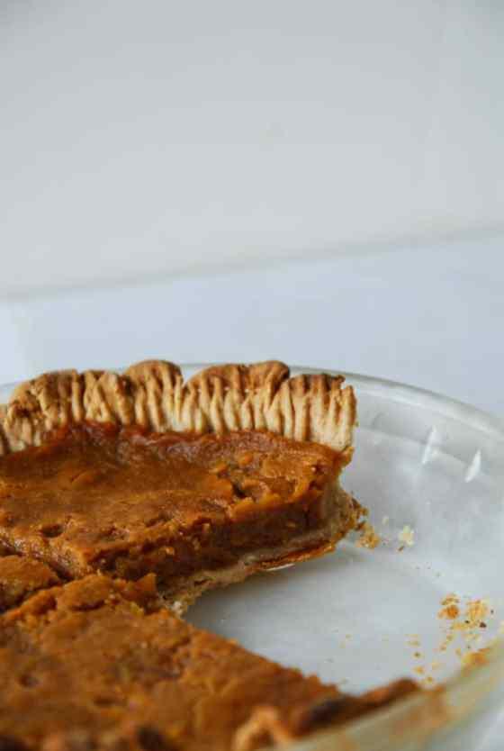 Vegan Pumpkin Pie with Coconut Oil Crust